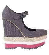 普拉达Prada深灰色帆布厚底鞋
